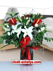 cam-vazoda-antoryum-lilyum-ve-guller-212x282 İşyeri İçin Çiçek