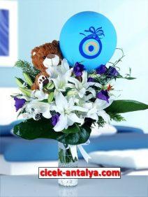 cam-vazoda-lilyum-mor-lisiantus-oyuncak-balon-212x282 İşyeri İçin Çiçek