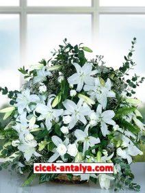 sepette-beyaz-gul-ve-lilyumlardan-aranjman-212x282 İşyeri İçin Çiçek